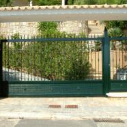 Puerta para vehículos y personas